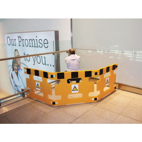 Standard safety barrier