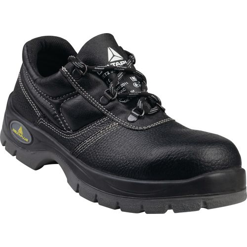 Black safety shoes S3 SRC